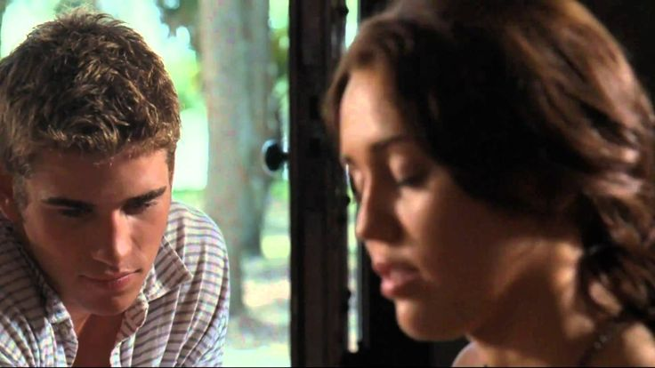 The Last Song - Miley Cyrus playing When I Look At You on the piano HD