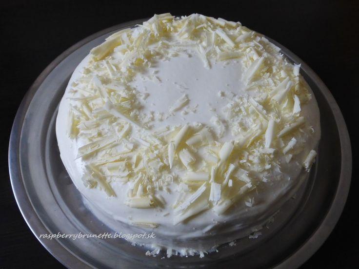 Raspberrybrunette: Smotanovo-ovocná torta   Úžasne svieža dobrotka. N...