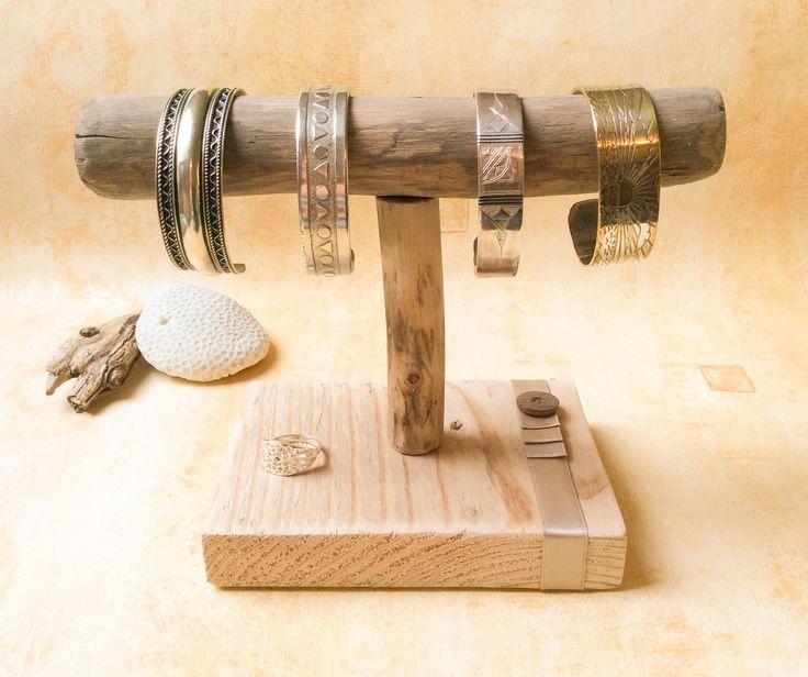 les 27 meilleures images propos de porte bijoux sur pinterest atelier bracelets et bijoux. Black Bedroom Furniture Sets. Home Design Ideas
