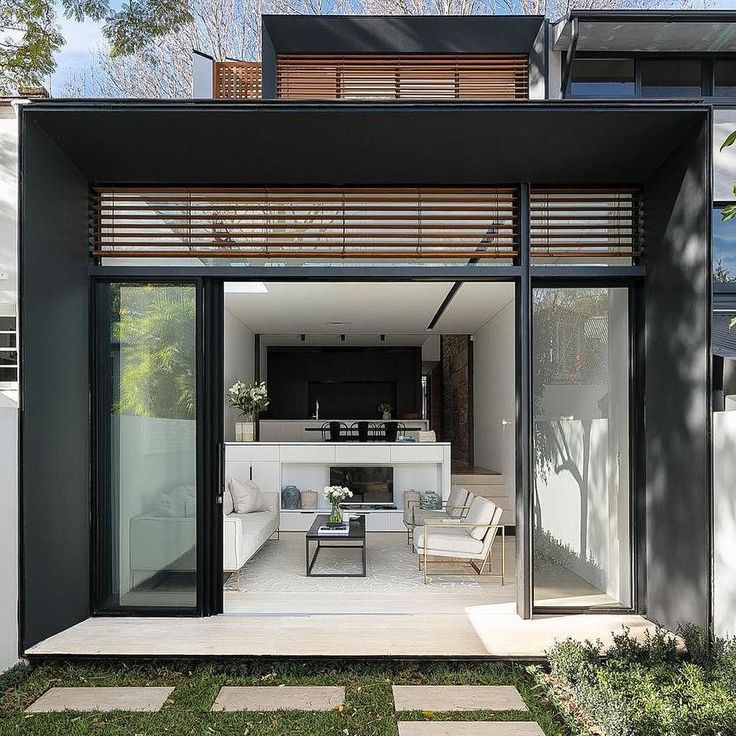 Designed by Chris Yandle this home is located in Woollahra NSW.  Photo by Tom Ferguson @tfadtomferguson
