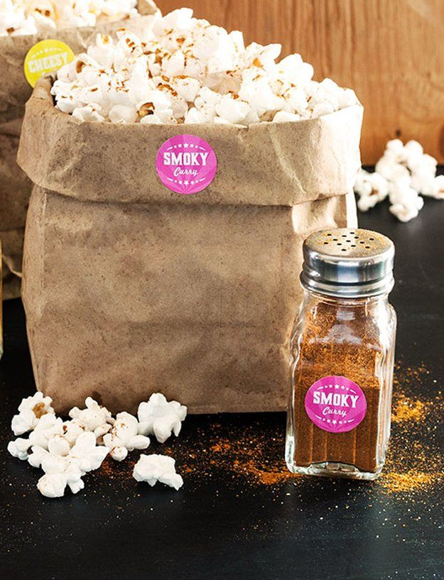Smoky Curry DIY Popcorn Seasoning   5 Popcorn seasoning Recipes by DIY Ready at http://diyready.com/homemade-popcorn-seasoning-5-popcorn-seasoning-recipes/