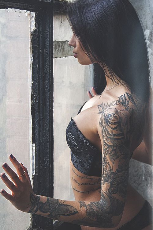 This is the sleeve I am getting! Different flowers and butterflies might different but I love the placement of everything