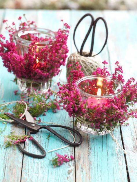 Windlichter, Sträuße oder Arrangements aus Hagebutten, Heidekraut, Cyclamen und…