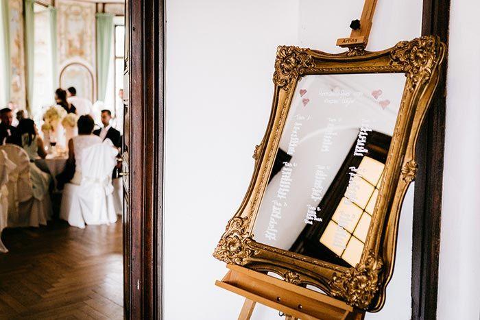 Weisse Hochzeit Im Schloss Miel I Fotostory Zur Hochzeit Weisse Hochzeit Hochzeit Tischplane