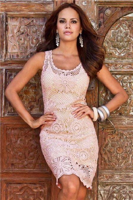 Robe Printemps/Eté Rose Pale Femme style Rétro-Glamour esprit Vintage Tricotée au Crochet Fait-Main : Robe par mes-petites-pelotes