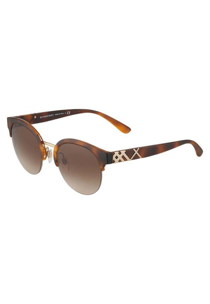 Burberry. Sonnenbrille - brown . #sunglasses #sonnenbrillen #fashion #zalandoDE Breite:14 cm bei Größe 52. Bügellänge:14 cm bei Größe 52. Stegbreite:2.2 cm bei Größe 52. UV-Schutz:ja. Brillenform:Schmetterling. Brillenetui:Hartschale. Muster:Farbverlauf