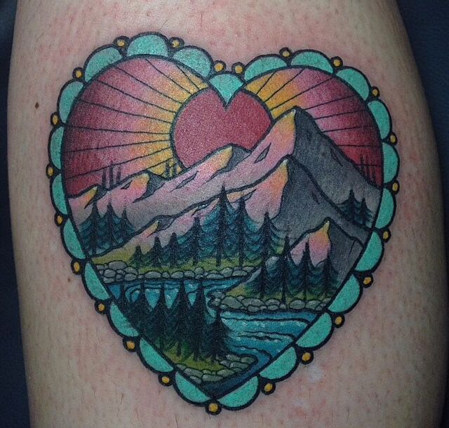 I am in loveeee with this Canadian inspired tattoo. I will get a Canadian tattoo soon! ✌️