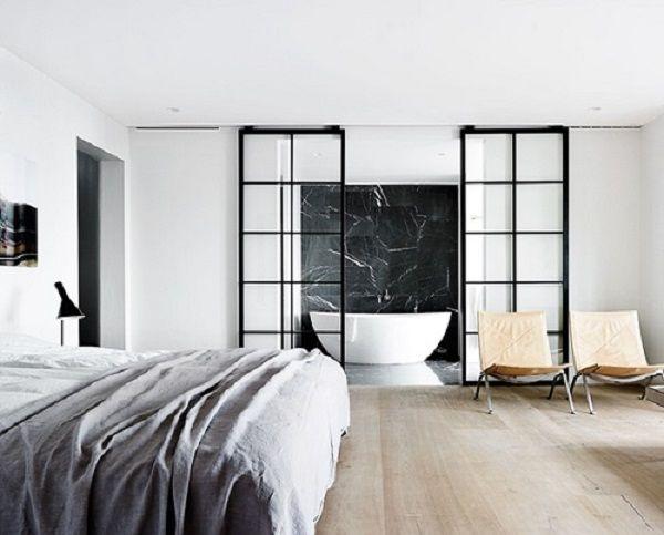 Una splendida villa che si affaccia sul mare a nord di Copenhagen, ridisegnata dallo studio Space Copenhagen.