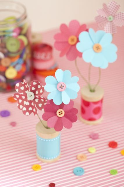 Paper flowers, so easy ;)