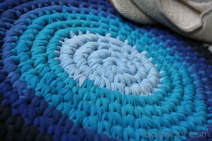 Use Old T-shirts to Crochet a Rug