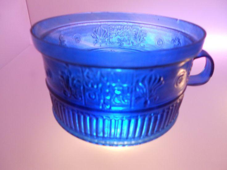 tazza di vetro blu, la teca dei Vetri, firmata Ennione, museo nazionale archeologico, Adria