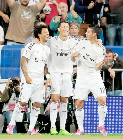 Celebran gol de Cristiano con el ras tas tas de James. Real Madrid oct 5/14