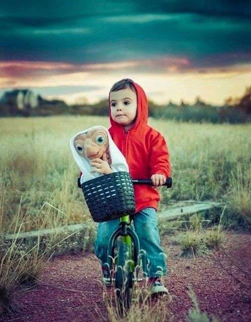 ET child's costume.: Halloween Stuff, Riding A Bike, Halloween Costumes Ideas, For Kids, Boys, Costumes Halloween, Baby, Kids Costumes, Halloween Ideas