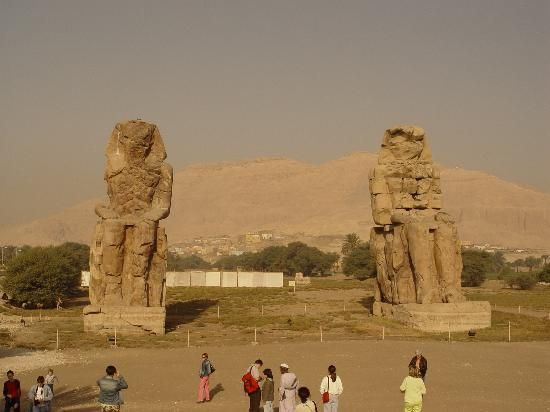 Viaggio in Egitto, Colossi di Memnon http://www.italiano.maydoumtravel.com/Pacchetti-viaggi-in-Egitto/4/0/