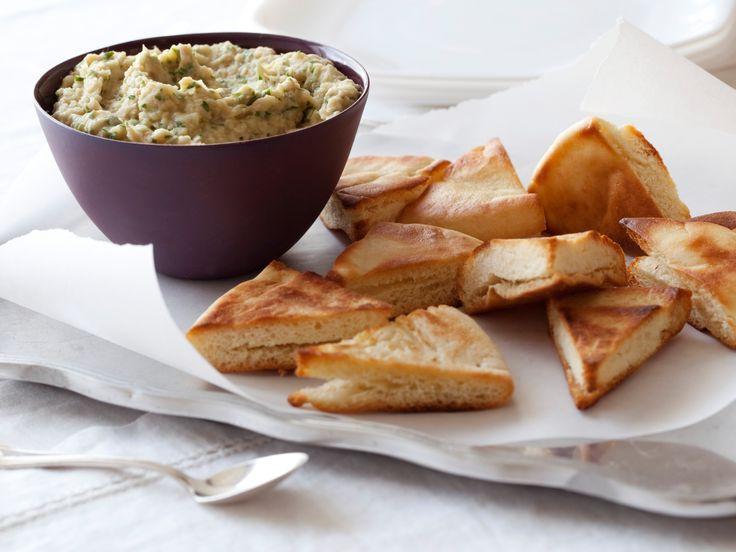 White Bean Dip...quick and easy, but I add a little grated pecorino romano!: Food Network, White Beans, Olive Oil, Giada De Laurentiis, White Bean Dip, Recipes, Pita Chips Recipe, Dips