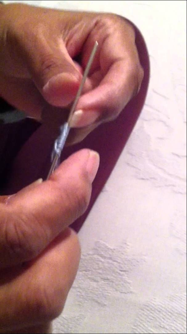 This needle tatter has come up with a way to make a double-stitch in one step, rather than the normal 2 steps. Very cool! I'll have to try this next time I'm needle tatting.