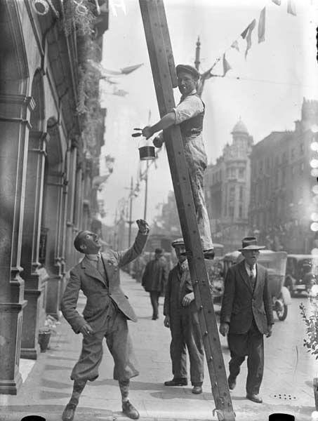 Ireland. Man in plus-fours and Argyle socks. Dublin, 1932