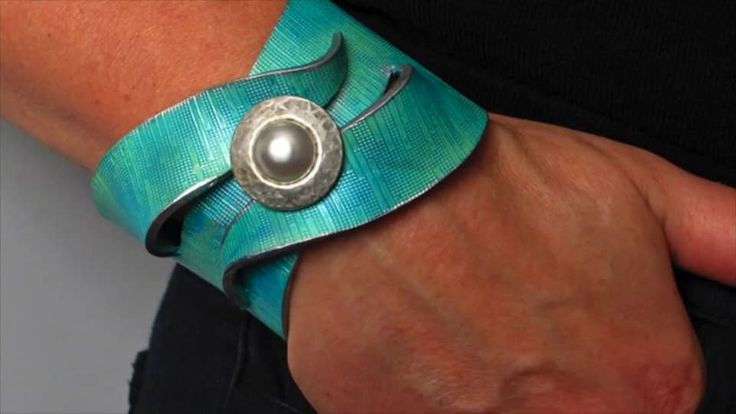 Learn to make Polymer clay wrap bracelets with Helen Breil on Vimeo