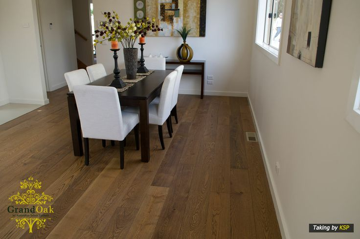 Grand Oak Timber Flooring: Canyon Oak Dining Room