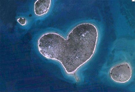 My Earth Romance My Special - Heart Shaped Landscapes Image: heart shaped island, Croatia