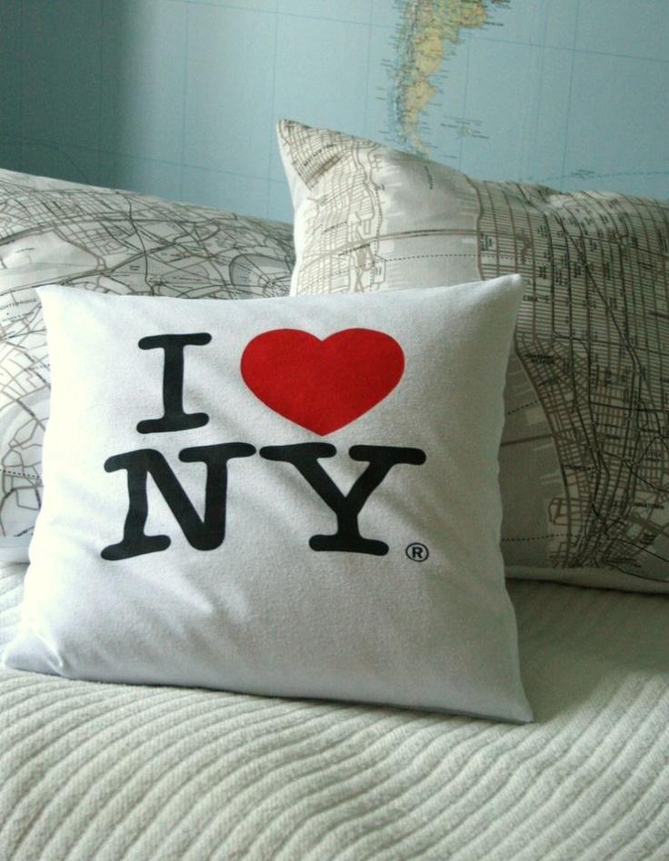 No #Sew pillow - refashionfiles.com #refashion #tshirt #newyork & 213 best Refashion - clothes and home decor images on Pinterest ... pillowsntoast.com