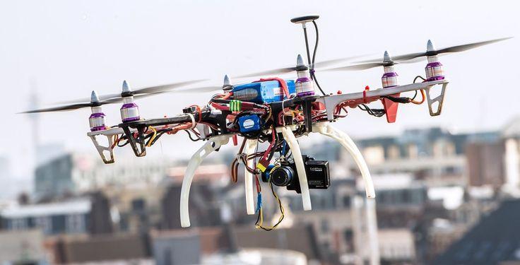 Les États-membres de l'UE se sont mis d'accord pour rendre obligatoire l'enregistrement des drones exerçant une énergie cinétique de plus de 80 joules. Sa mise en oeuvre sera confiée à l'agence européenne de sécurité aérienne (AESA).