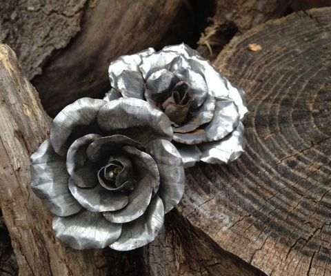 Why give a rose that is going to die in a week when you could go all out and make an everlasting one. I have seen metal roses in the past and always thought it was a good Idea. So this is my take on metal roses. You are more than welcome to ask me any questions and I will answer them as best as I can. And I would be honored to have your vote in the contests that this rose is in.