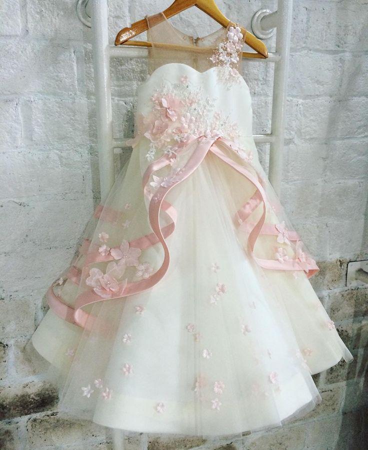 -----Celine dress----- #customdesign #honeybee_kids #honeybee_kids #byrequest