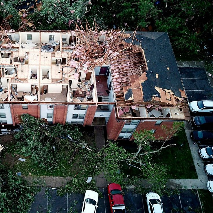 Rescues underway after tornadoes smash across Ohio and