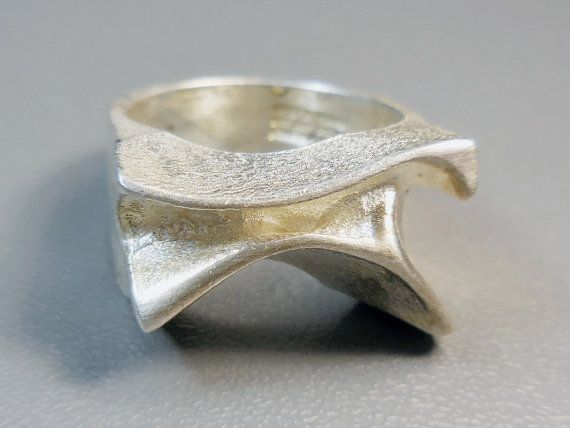 Lapponia vintage 1972 Siren ring, sterling silver, Bjorn Weckstrom, Space Silver, Finland
