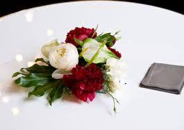"""Résultat de recherche d'images pour """"decoration florale pour buffet"""""""