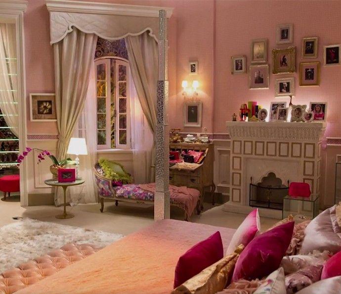 O rosa toma conta do quarto da patricinha de 'Haja Coração' (Foto: TV Globo)