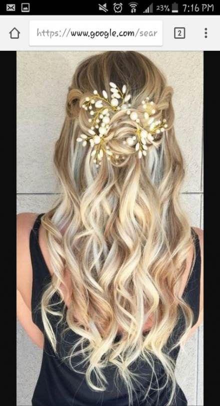 33+ trendy bridal hairstyles for long hair wavy half up