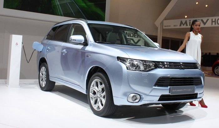 Mitsubishi Outlander 2012- love the neat positiveness of their ad.