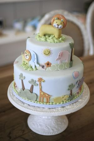 Love the fondant animals. Such detail!