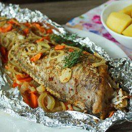 Приготовьте такую рыбу у себя дома и вы точно не пожалеете. Получается очень вкусно, сытно и полезно!
