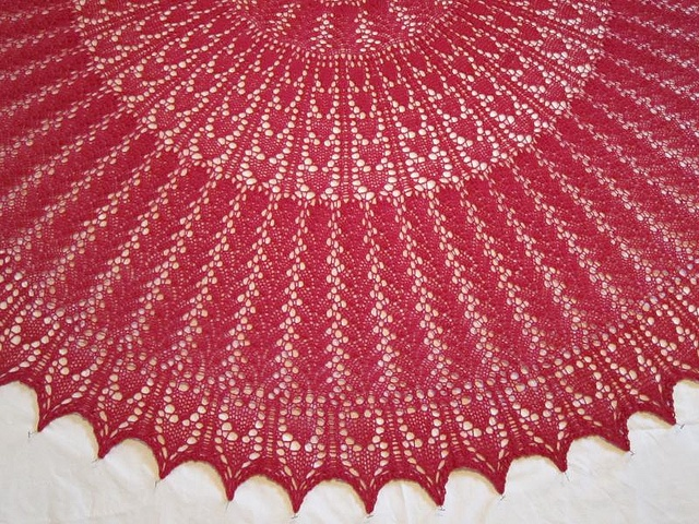 Elizabeth Zimmerman 100th anniversary shawl based on one from Knitter's Almanac (free download, various patterns)