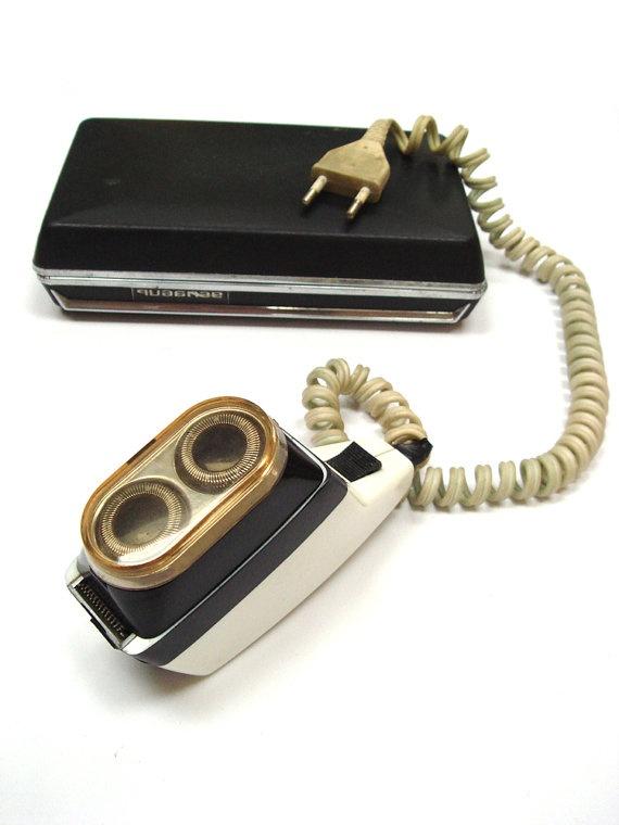 Vintage Electric Razor Authentic Soviet Design by GrandpasTreasury, $31.00