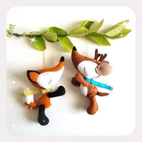 Now you can have these two cuties as a set and save!! . Patterns available in my shop, link in bio. . Ahora puedes llevarte a estos dos tiernos amiguitos juntos y ahorrar! . Moldes disponibles en mi tienda, link en bio. . #christmasdecorations #christmas2017 #xmasornaments #adornosnavideños #feltornaments #feltro #feltpattern #christmascrafts #manualidades #littlethingstoshareshop #littlethingstoshare #etsy #etsystudio #viviendomipasión