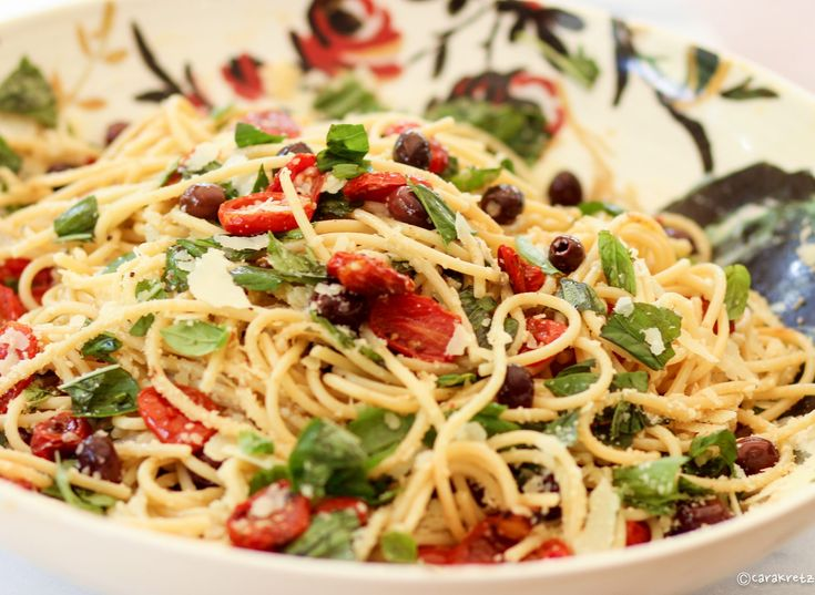Spaghetti with Roasted Cherry Tomatoes, Olives & Basil is super easy and perfect for a light summer dinner! You can have this meal on the table in 30 minutes! When tomatoes are in harvest I am always looking for ways to enjoy them. You can roast any fresh tomato. Roma tomatoes are great because they...Read More