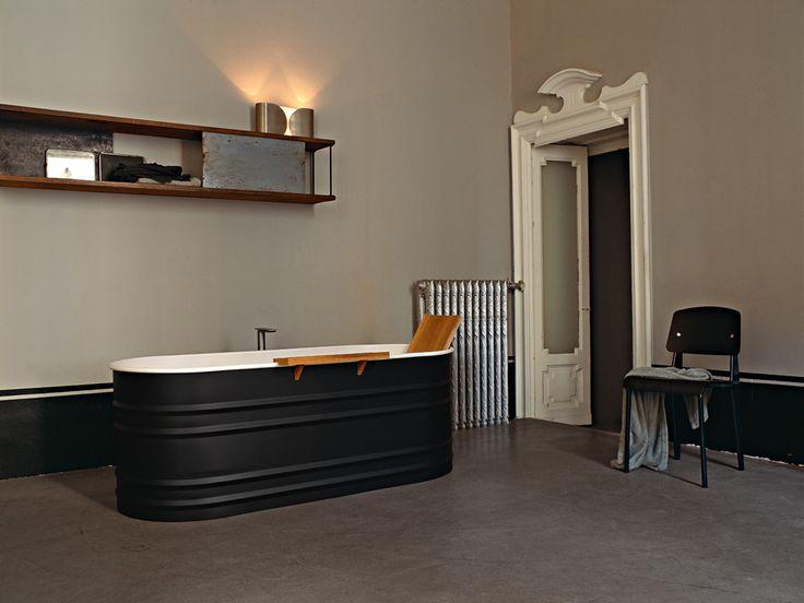 Old fashioned bathroom by Agape design