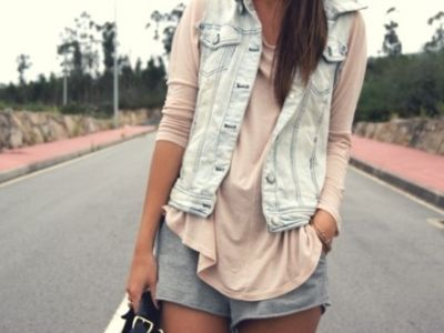 loveeWeekend Outfit, Summer Looks, Jeans Jackets, Summer Style, Denim Vest, Cozy Style, Leather Jackets, Pastel Fashion, Spring Outfit
