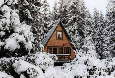 5 Cozy Cottages Near Calgary You Can Rent For Super Cheap This Winter