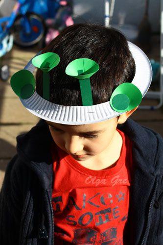Поделки с детьми. Шляпа из тарелки своими руками - Инопланетянин.