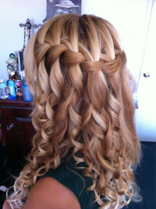 Love this!: Prom Hairs, Waterfalls Braids, Waterf Braids, Braids And Curls, Weddings Hairs, Hairs Styles, Hairstyle, So Pretty, Curly Hairs