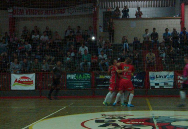 A última e decisiva rodada do returno da primeira fase do Campeonato Estadual da Liga Catarinense de Futsal será complementada na noite deste sábado (30). Em jogo antecipado para sábado pass