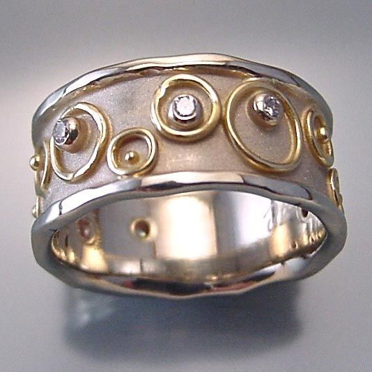 Ring | Anne Marie Cianciolo. 14k white gold, 18k yellow gold, diamonds.