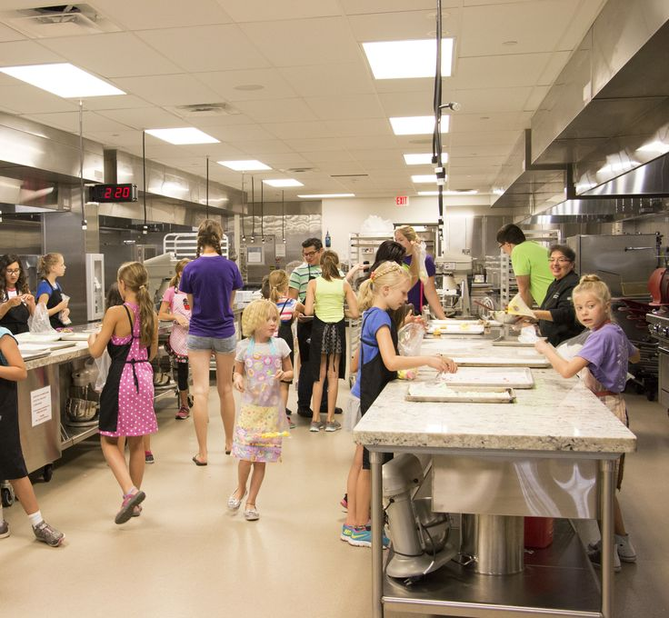 Pretty sweet time  at the Summer Academy class,  Scot's Star Baking School. #futurebakers #kidsandcollege #bakingfun