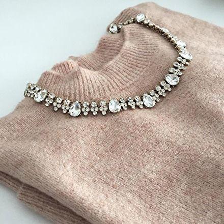 Joy Statement-Halskette in Weiß – #fashion #fashionista #jewelry #necklace #ootd