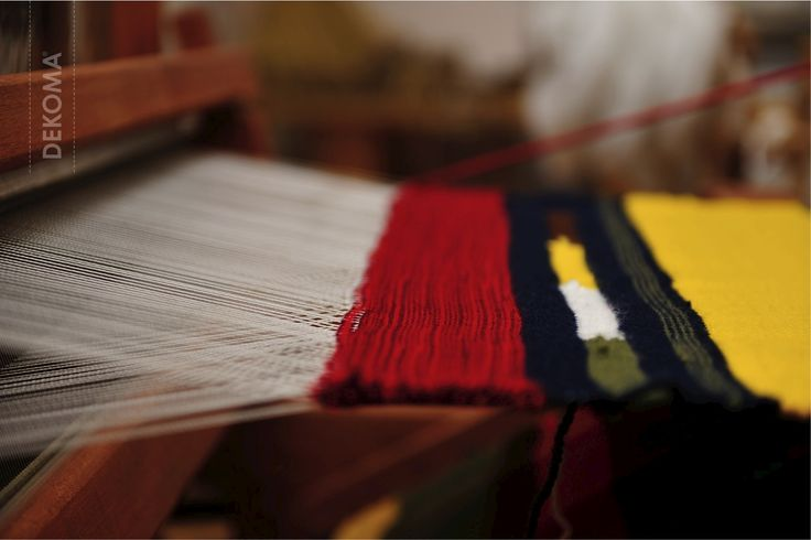 Warp and weft, secrets of the weaving loom. A guided tour through the Ethnographic Museum in Poznań.